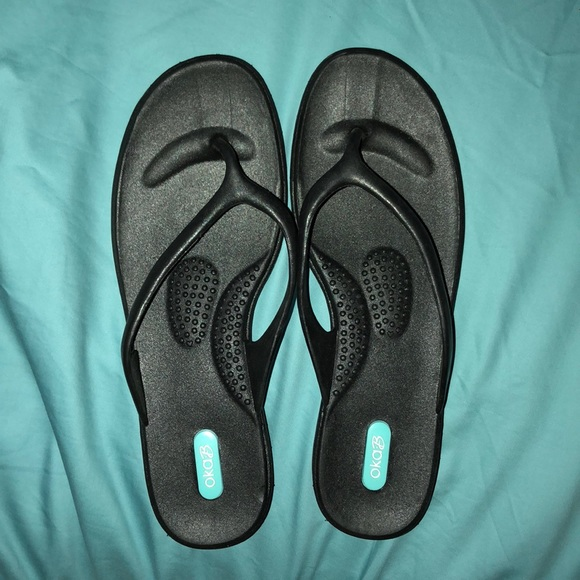 098d6323e5e2d6 Oka B Black Flip Flops (Chloe Style). M 5aba71519cc7ef8543f58259